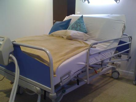 Bariatric Beds And High Back Xxl Recliner Chairs